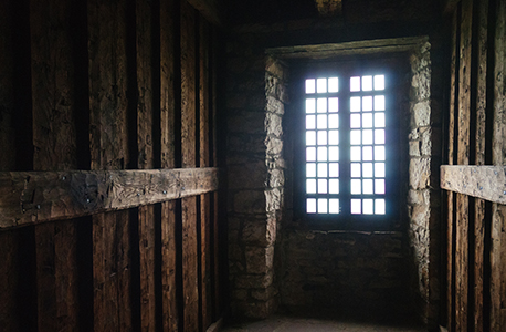 fort niagara dark interior