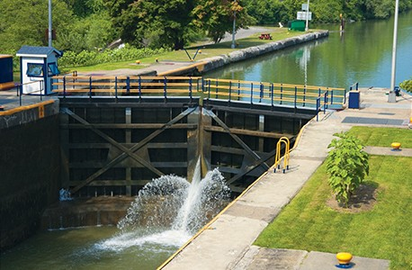 Lockport Erie Canal lock