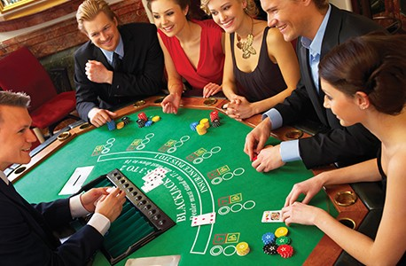 AAA members playing BlackJack at a casino
